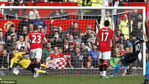 Ngày van Persie trở lại Old Trafford - 1