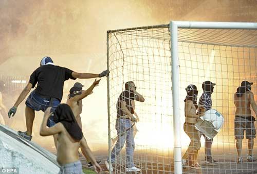 Bạo loạn kinh hoàng tại Hy Lạp - 5