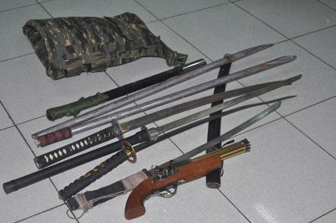 Ớn lạnh nhóm giết người với nhiều vũ khí nóng - 2