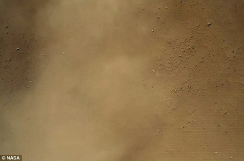 Clip giây phút Curiosity hạ cánh trên sao Hỏa - 5