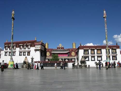 Những điểm đến không thể bỏ qua du lịch Tây Tạng - 3