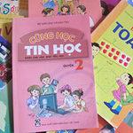 Giáo dục - du học - Học sinh vẫn cõng sách đến trường