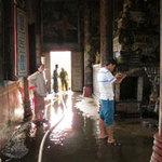 Tin tức trong ngày - Lại cháy chùa do đốt nến trong chính điện