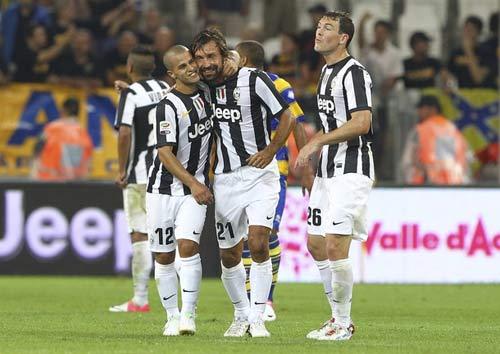 """Juventus – Parma: """"Quà"""" từ trọng tài - 1"""