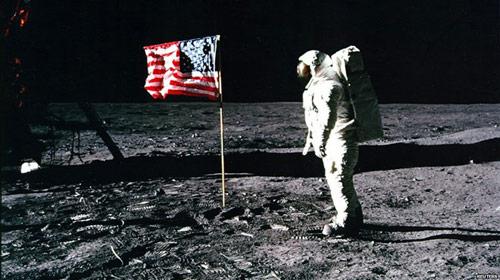 Vĩnh biệt người đầu tiên lên mặt trăng - 2