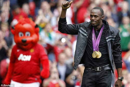 Usain Bolt tới Old Trafford cổ vũ MU - 1