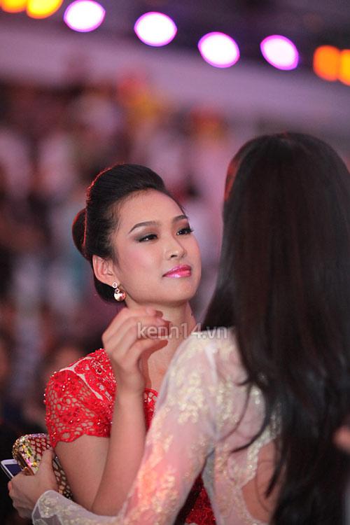 Thùy Dung khóc cùng Vương Thu Phương - 1