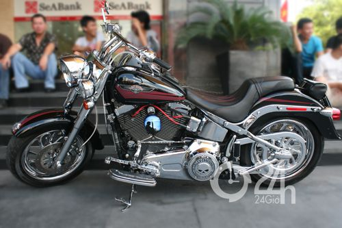 """Cận cảnh dàn xe mô tô """"khủng"""" tại Sài Gòn - 14"""