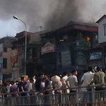 Tin tức trong ngày - Cháy khu tập thể ở HN: Đã có người chết
