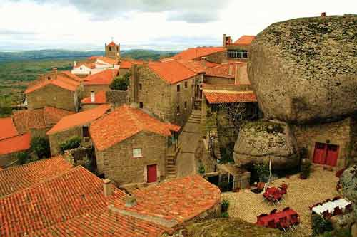 Ngôi làng cổ nằm giữa ở Bồ Đào Nha - 2