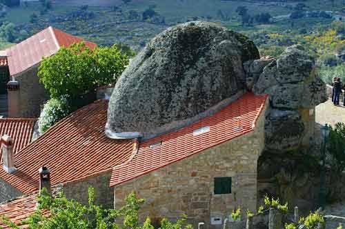 Ngôi làng cổ nằm giữa ở Bồ Đào Nha - 6