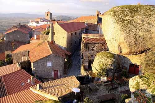 Ngôi làng cổ nằm giữa ở Bồ Đào Nha - 11