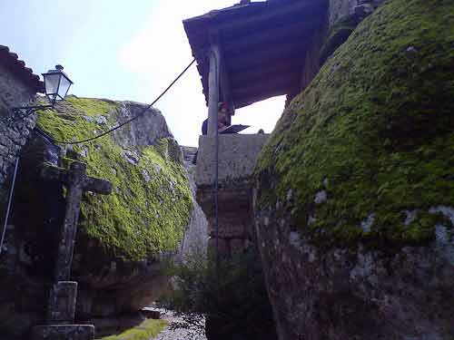 Ngôi làng cổ nằm giữa ở Bồ Đào Nha - 13
