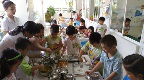 Teo tóp bữa ăn học trò - 1