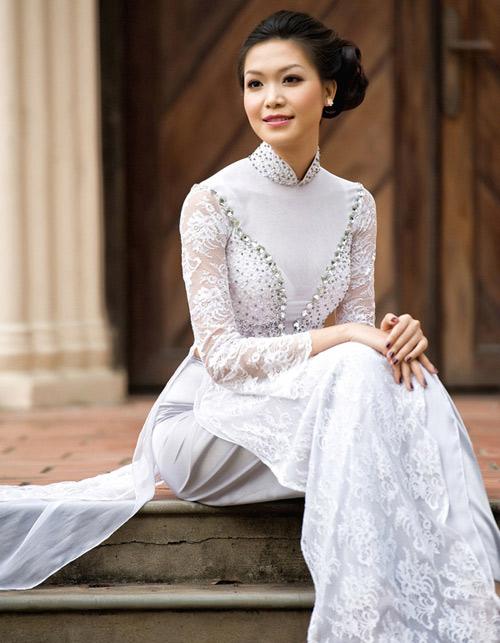 """Hoa hậu Thùy Dung khéo """"úp mở"""" cơ thể - 16"""