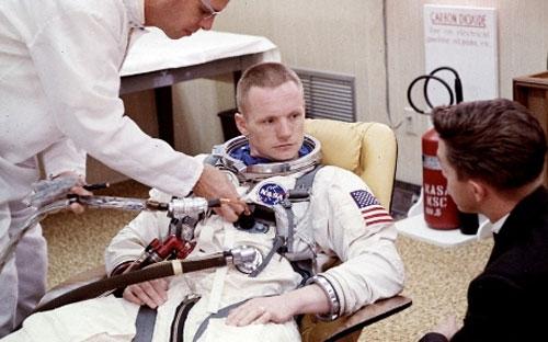 Chùm ảnh về người đầu tiên lên Mặt Trăng - 14