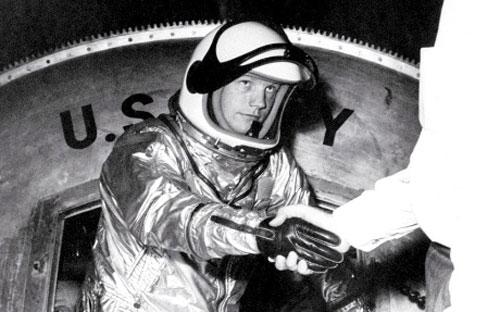 Chùm ảnh về người đầu tiên lên Mặt Trăng - 15
