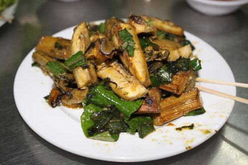 Ốc bươu xào chuối xanh: đậm hương vị Bắc - 1