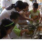 Giáo dục - du học - Teo tóp bữa ăn học trò