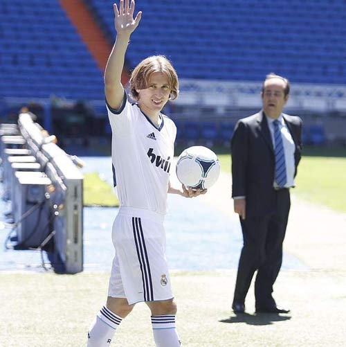 Real: Chờ một cú hích từ Modric - 1