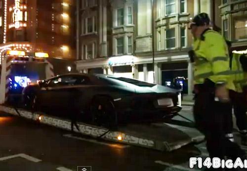 """Cảnh sát """"tóm"""" Lamborghini Aventador - 1"""