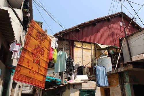 Hà Nội: Nhiều khu nhà gỗ... chờ cháy - 2
