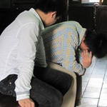 An ninh Xã hội - Bắt thiếu nữ vào nhà hoang hiếp dâm tập thể