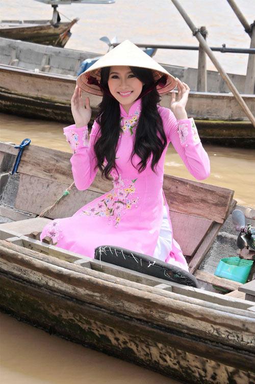 Hoa hậu Thu Thảo trở lại miền sông nước - 12