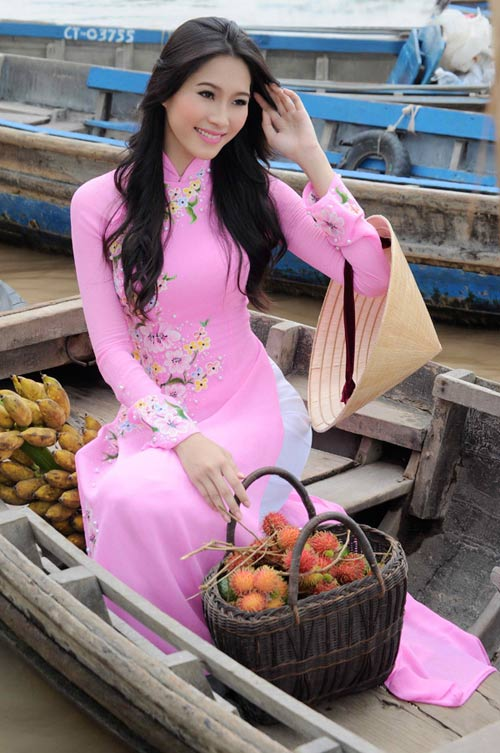 Hoa hậu Thu Thảo trở lại miền sông nước - 14