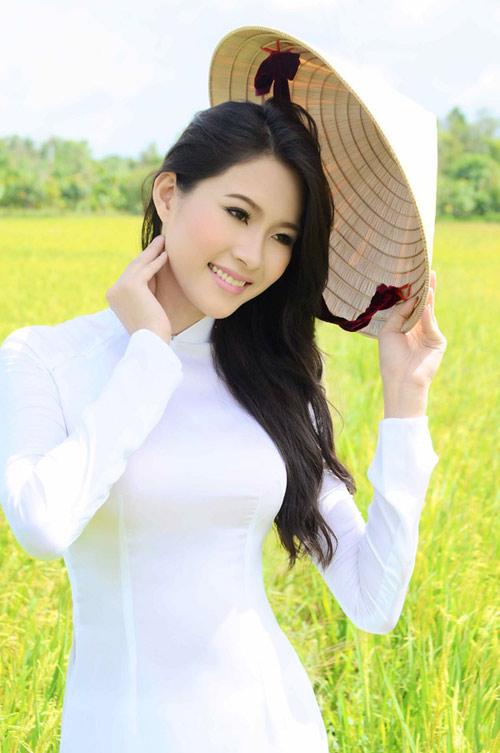 Hoa hậu Thu Thảo trở lại miền sông nước - 2