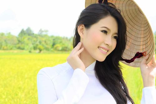 Hoa hậu Thu Thảo trở lại miền sông nước - 3