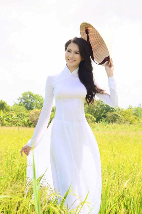 Hoa hậu Thu Thảo trở lại miền sông nước - 4
