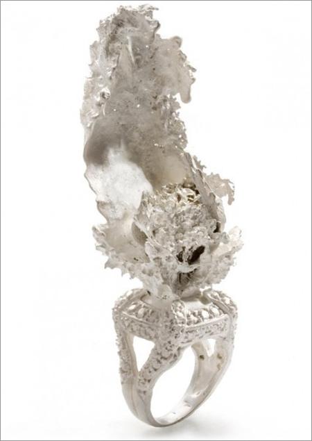 Độc đáo trang sức làm từ nhựa - 11