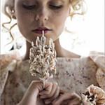 Thời trang - Độc đáo trang sức làm từ nhựa