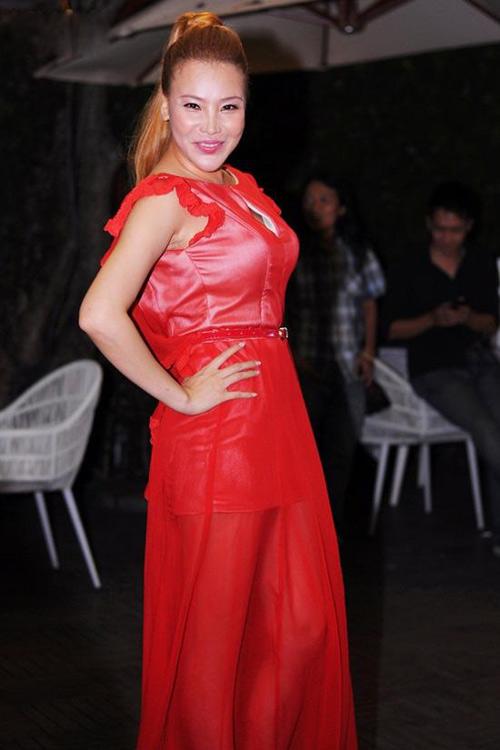 """Nụ cười """"méo mó"""" của mỹ nhân Việt - 14"""