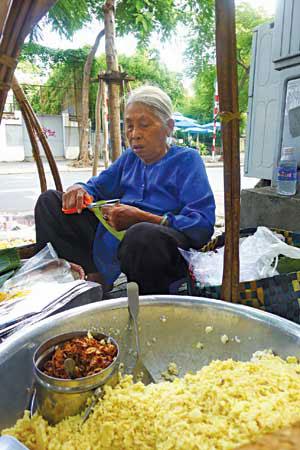 Độc đáo ẩm thực vỉa hè Sài Gòn - 1