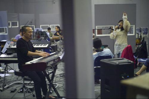 Thanh Lam dốc lòng vì Quốc Trung - 5