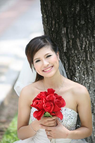 Thiếu nữ Hà Nội rạng rỡ làm cô dâu - 11