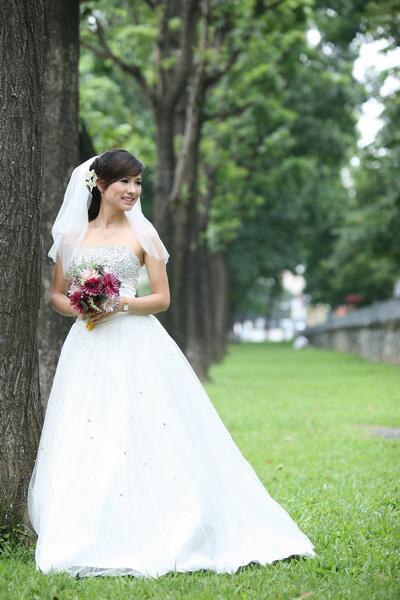 Thiếu nữ Hà Nội rạng rỡ làm cô dâu - 10