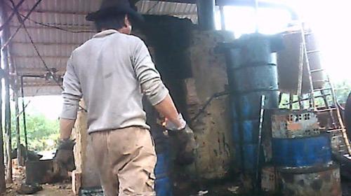 Biến nước lã thành xăng dầu: Quản lý kém - 1