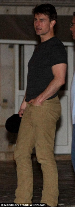 Tom Cruise vui tiệc tùng tới bến - 1