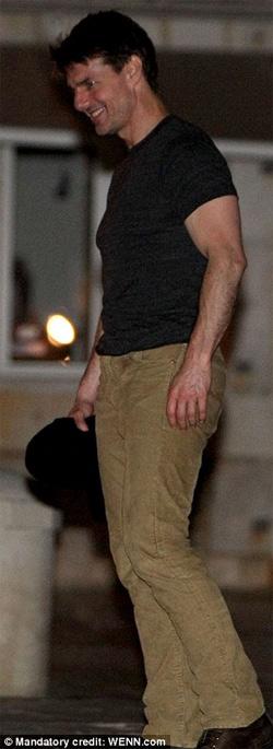 Tom Cruise vui tiệc tùng tới bến - 2
