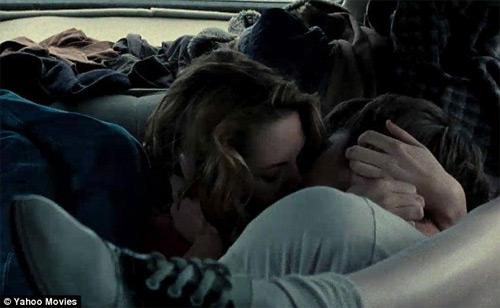 """Kristen """"âu yếm"""" với hai người đàn ông, Phim, Kristen Stewart, Robert Pattinson, Chang vang, scandal, ngoai tinh, sex tay 3, truy lac, noi loan, On the road, trailer, dien vien, tin tuc"""