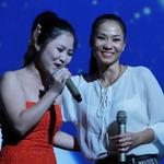 """Ca nhạc - MTV - Thu Minh """"đốt lửa"""" cho học trò Hương Tràm"""