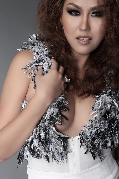 """Trang Nhung bỏ show """"cấm gái đoan trang"""" - 2"""