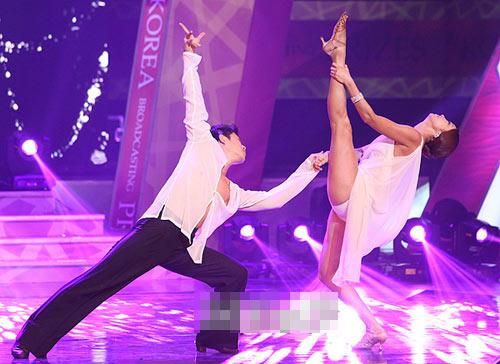 """Sao Hàn sexy """"dậy sóng"""" lễ trao giải - 4"""