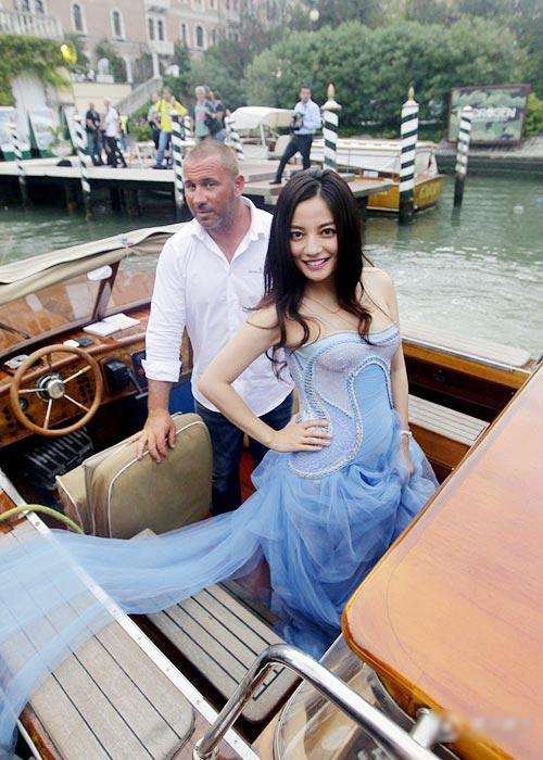 Triệu Vy gợi tò mò tại LHP Venice - 8