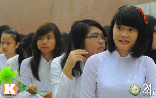 Học sinh cả nước chào đón năm học mới - 7