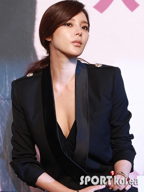 """Hoa hậu xứ Hàn cổ xúy mốt """"quên quần"""" - 5"""
