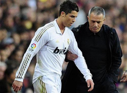 Mourinho gọi điện cho Ronaldo - 1